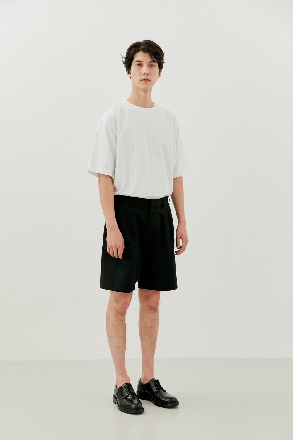 Two Pleats Shorts Men [Black]