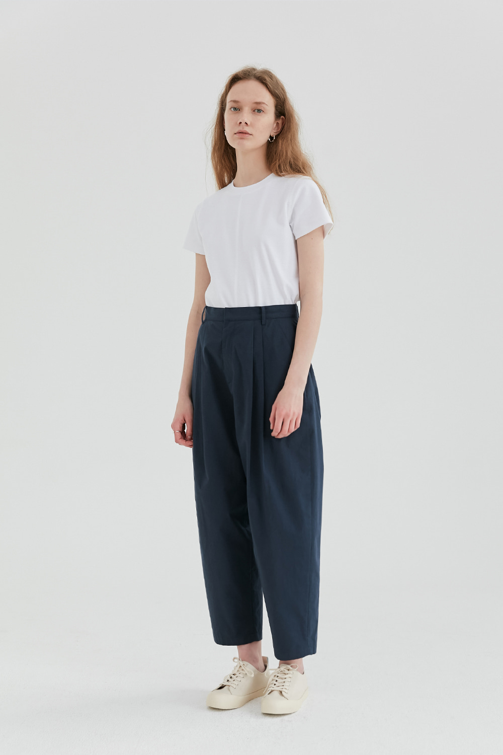 Two Tuck Pants Women [Navy]