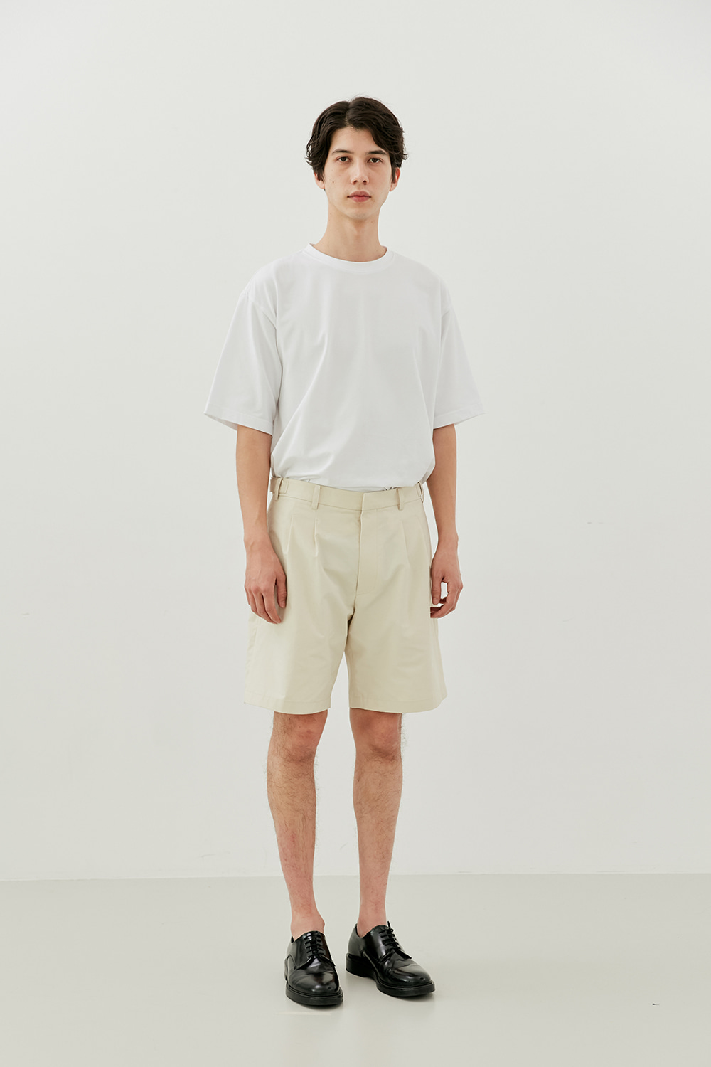 Two Pleats Shorts Men [Ivory]