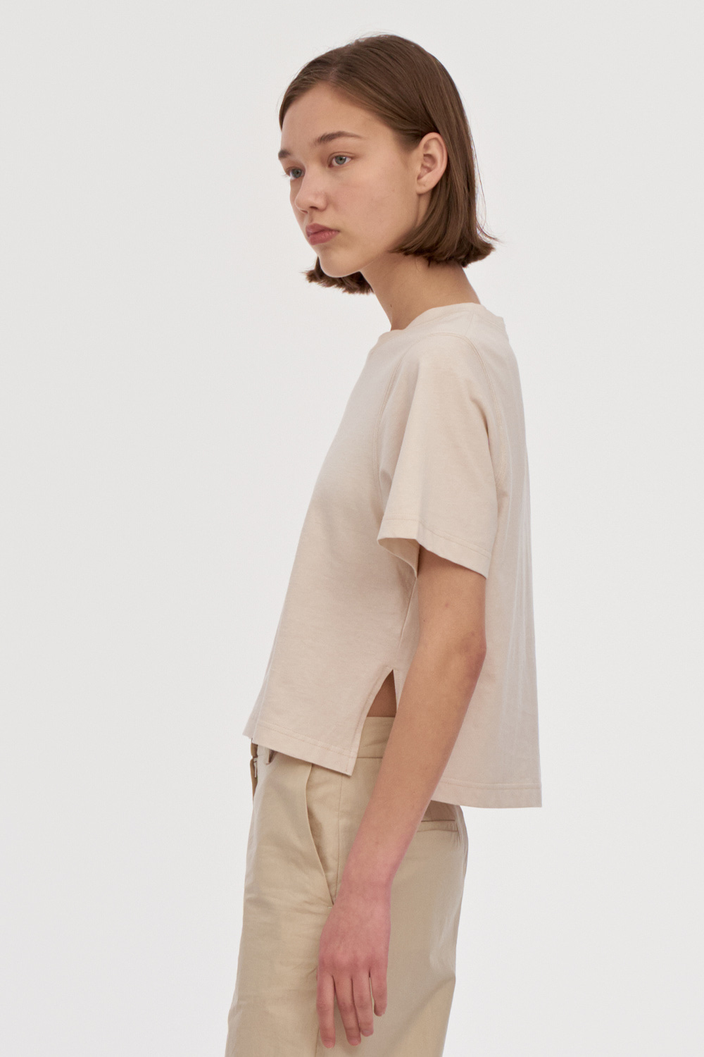 Round Neck Cropped Tee Women [Cream]